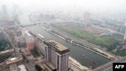 天津海河岸边外商多