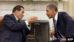 Слева направо: Хосни Мубарак и Барак Обама. Архивное фото.