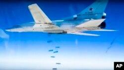 Các cường quốc phương Tây tố cáo Nga là phạm tội ác chiến tranh vì đã thả những quả bom có sức công phá các hầm kiên cố và bom gây hoả hoạn xuống các khu dân cư ở Syria. (Ảnh tư liệu)