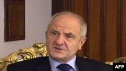 Presidenti Sejdiu nuk mund të ushtrojë njëkohësisht edhe postin e kryetarit të LDK-së