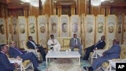 Να μην επιδιώξει τον θάνατο του Μοαμάρ Γκαντάφι