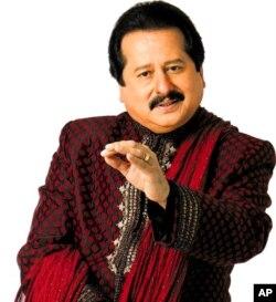 """আজকের বিশ্ব সঙ্গীতঃ পঙ্কজ উদাসের """"চান্দি যেয়সা রাংগ হ্যায় তেরা"""""""