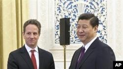 지난 1월 티모시 가이트너 미 재무장관과 만난 시진핑 중국 부주석 (오른쪽)