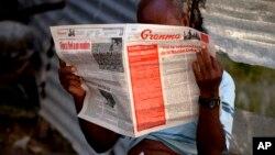 El periódico Granma es uno de los pocos medios autorizados en Cuba por el régimen.