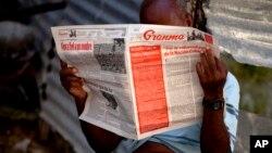 Trên báo Granma của đảng Cộng sản, Bộ Nội vụ Cuba nói những người này đang có kế hoạch tấn công các cơ sở quân sự của Cuba.