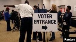 На виборчій дільниці