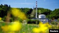 Pembangkit listrik tenaga nuklir milik perusahaan energi Swiss BKW di Muehleberg dekat Bern, Swiss.
