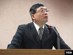 台湾在野党亲民党立委李桐豪 (美国之音 张永泰拍摄)