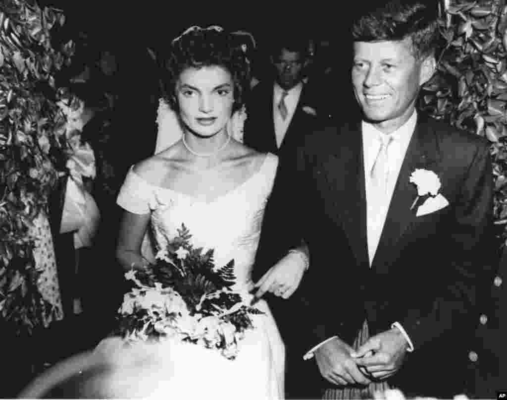 Con və Jaklin Kennedinin toy mərasimi, 12 sentyabr 1953.