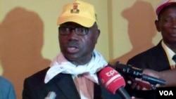 Lucas Ngonda, dirigente da FNLA, visita Malanje durante a campanha eleitoral de 2012 (VOA)