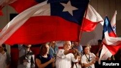 Con el 91,75% de los votos escrutados, Piñera, un multimillonario de 67 años, obtuvo el primer lugar entre ocho candidatos con un 36,64 por ciento de los votos.
