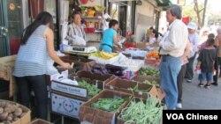 华埠卖瓜菜的小商家能与沃尔玛竞争吗