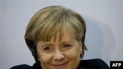 Thủ tướng Merkel đã tới New Dehli để thảo luận về vấn đề chống khủng bố và cuộc chiến Afghanistan