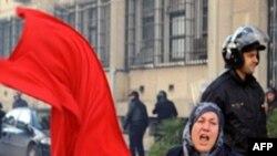 Tunus'ta Aşırı Dinciler Televizyon Basmaya Çalıştı