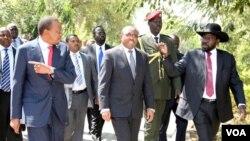 Para pemimpin Kenya, Ethiopia dan Sudan Selatan bertemu di Kenya untuk membahas usaha perdamaian di Sudan Selatan.