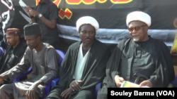 Shugabannin darikar shiya a Niger: Daga dama Shaikh Ahmed Lazaret shugabansu