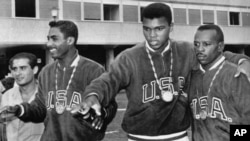 En 1967 Ali se negó a incorporarse al ejército alegando ser musulmán y por lo tanto objetor de conciencia.