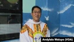 Pastur Kepala Paroki Ibu Teresa Cikarang Bekasi Jawa Barat Romo Michael Wisnu Agung Pribadi