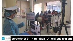 Nhiều người từ Trung Quốc nhập cảnh vào Việt Nam tại cửa khẩu Móng Cái, Quảnh Ninh, tháng 2/2020