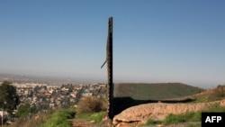 Một bức tường biên giới giữa Mexico và Hoa Kỳ nhìn từ phía Mexico, ngày 26/1/2017.