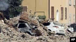 意大利北部博洛尼亚市西北发生6级地震: 街道上布满瓦砾