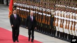 俄羅斯總統普京6月8日(星期五)訪問中國﹐習近平在人民大會堂閱兵歡迎。