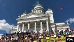 Демонстрація у Гельсінкі перед самітом Трампа-Путіна