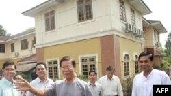 На волю вийшов колишній прем'єр-міністр Бірми Кхін Ньюн