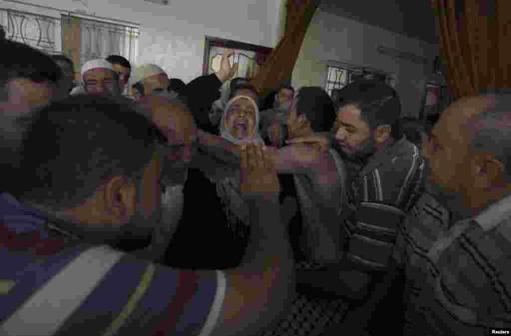 İsrail hücumları zamanı ölən fələstinlinin anası - 10 iyul, 2014