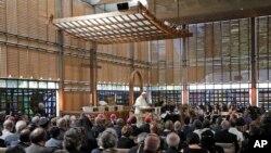 天主教教宗方濟各6月21日在日內瓦講話。
