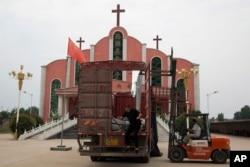 河南省平顶山当局准备拆除一间教堂。(2018年6月2日)