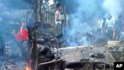베트남 하노이 인근에서 7일 훈련 중인 군헬기가 추락해 군인 16명이 사망했다.