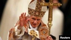 El Papa Benedicto XVI se retira a partir del 28 de febrero por razones de salud.