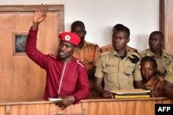 Kiongozi wa upinzani Robert Kyagulanyi, maarufu Bobi Wine, mahajamani.