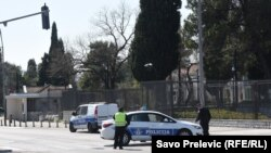 Crnogorska policija ispred ambasade SAD u Podgorici 29. marta 2019.