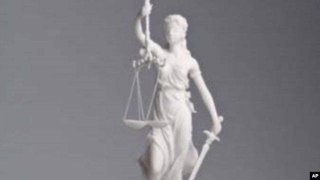 Estátua da justiça. Procurador devia afastar-se, diz PRS