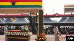Isandugu ririmwo uwahoze ari perezida wa Ghana, Jerry John Rawlings mu muhango wa nyuma wo kumushingura. Accra, Ghana, Kw'italiki ya 27/01/2021.