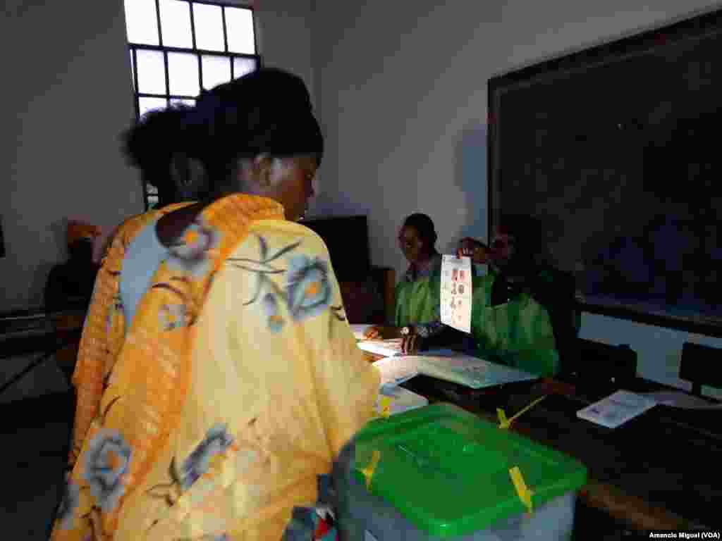 Moçambique foi a votos neste 15 de Outubro de 2019. Em Wimby, na província de Cabo Delgado, a assembleia de voto funcionou a luz da lanterna.