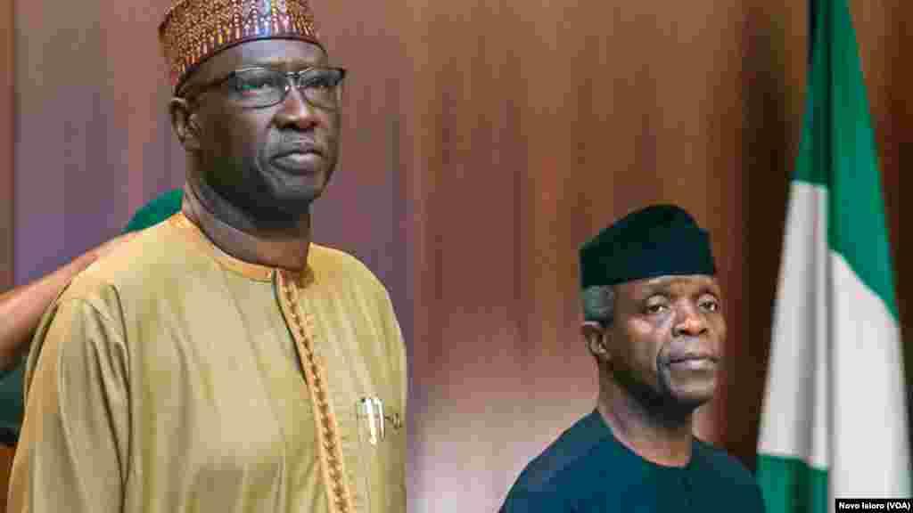 Mataimakin shugaban kasa Yemi Osibanjo (Dama) shi ya jagoranci taron ministocin gwamnati ranar Laraba a Abuja.