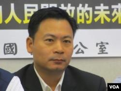 台湾执政党国民党立委吴育仁(美国之音张永泰拍摄)