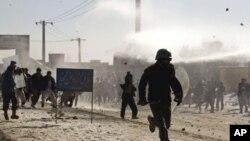 Αφγανιστάν: Συνεχίζονται οι βίαιες συγκρούσεις διαδηλωτών - αστυνομίας