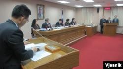 台湾官员就反恐议题在立法院接受质询(美国之音张永泰拍摄)
