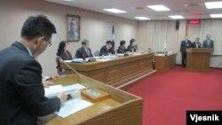 台灣官員就反恐議題在立法院接受質詢(美國之音張永泰拍攝)
