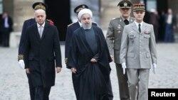 لوران فبیوس وزیر خارجۀ فرانسه از حسن روحانی رئیس جمهور ایران پذیرایی کرد.