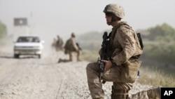 د آمریکايي عسکرو لومړۍ ډلې د افغانستانه حرکت وکړ