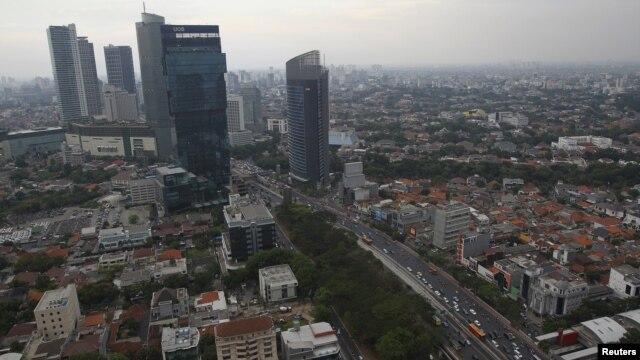 Pemandangan salah satu sudut kota Jakarta (Foto: dok). Menurut para aktivis Lingkungan Hidup, kota-kota besar di Indonesia dapat  berkontribusi dalam mengurangi dampak perubahan iklim dengan mengembangkan kawasan Ruang Terbuka Hijau (RTH).