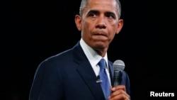 """Barack Obama dijo que el proyecto de ley aprobado por el Senado daría """"un gran empujón"""" a la economía nacional."""