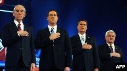Кандидаты от Республиканской партии во время исполнения государственного Гимна США