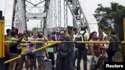 Maduro ordenó el cierre de una parte de la frontera común hace dos semanas, después de un enfrentamiento de contrabandistas con militares.