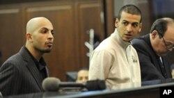 兩名被指企圖發動恐怖襲擊的男子出庭應訊